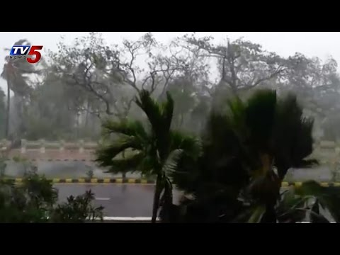 Exclusive Visuals of Hudhud Cyclone