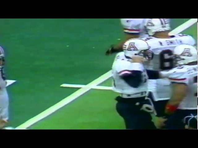 Premature shotgun snap results in a fumble, huge loss, and sack for Oregon DE Troy Bailey 10-29-94