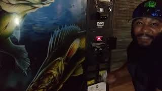 [Suggest in Desc] BUYING LIVE Fish FROM A VENDING MACHINE! (REAL)