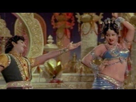 Gandharva Kanya - Ramyam Ragam Navyam -  Narasimha Raju, Jayamalini video