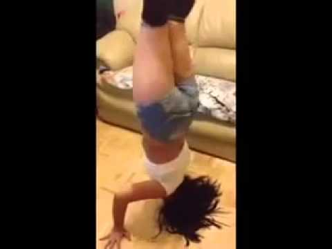 sexy Latina shaking her ass