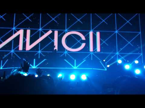 Avicii Live in Manila - Put On Your Piano vs Bong and Fade into Darkness (Albin Myers remix)