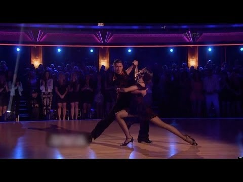 All of Val & Zendaya's Dances from DWTS Season 16 thumbnail