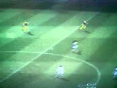 Gol incredibile di Davids da centro campo in Pes 3