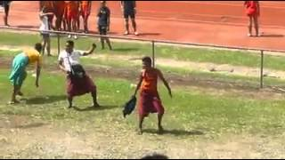 SAMOAN SCHOOL ATHLETIC (FUNNY CHEERLEADERS EVER)