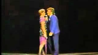 Watch Luis Miguel No Me Puedo Escapar De Ti video