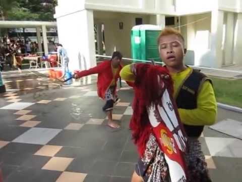 Siri Terbaek!!! Dari Kuda Kepang Sri Ulan Diteck Whye ~ 2 video