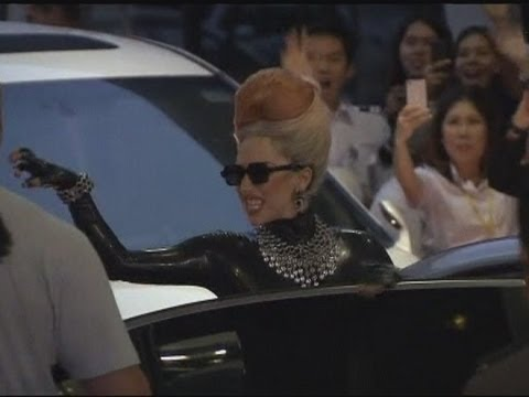 Leather-clad, beehived Lady Gaga arrives in Bangkok