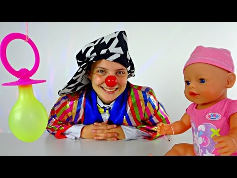 Funny Clown Videos For Kids With Le Clown. Guess What Is This Cute Yellow Toy!