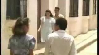 Watch Carlos Vives La Molinera video