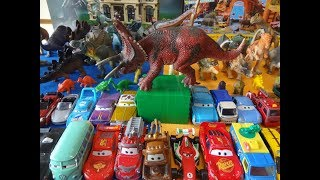 Dinosaur Review - Red Triceratops
