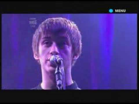 Arctic Monkeys - Mardy Bum Live at Glastonbury 2007