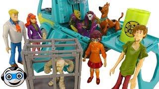 Halloween Scooby Doo hunts ghosts with slime * Halloween Videos 2017