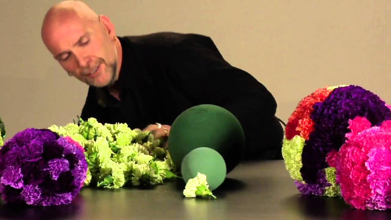How Many Flowers Fit On An Oasis Sphere Youtube