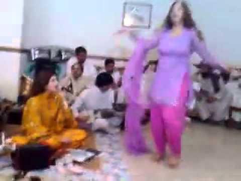 Pashto Hot Actress Nadia Gul Mast Dance video