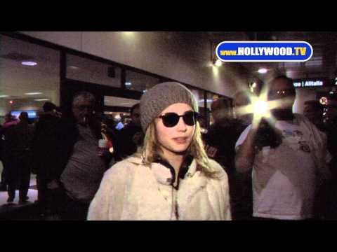 Emma Roberts a Rock Star at LAX