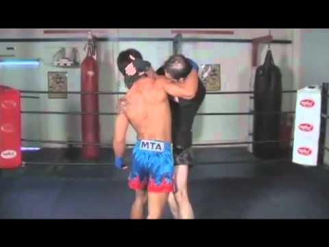 Muay Thai clinch tutorial Image 1