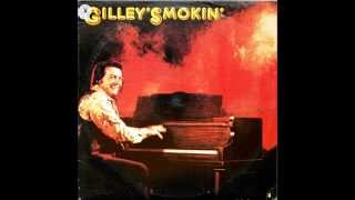 Watch Mickey Gilley Dont The Girls All Get Prettier At Closing Time video