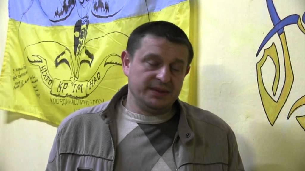 """У Калуші біля Шухевича відбувся флешмоб """"Я — цинічний бандерівець"""""""