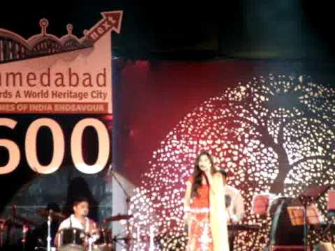 Mehndi te vavi (Gujarati Song).... by Shreya Ghoshal  Karnavati...