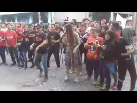 download lagu Via Vallen - Sayang Ulta Vyanisty Ke 6 gratis