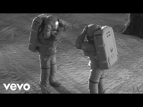 download lagu Avicii - What Would I Change It To Part gratis