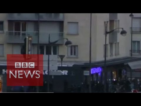 France sieges: Hostages emerge from Paris supermarket- BBC News