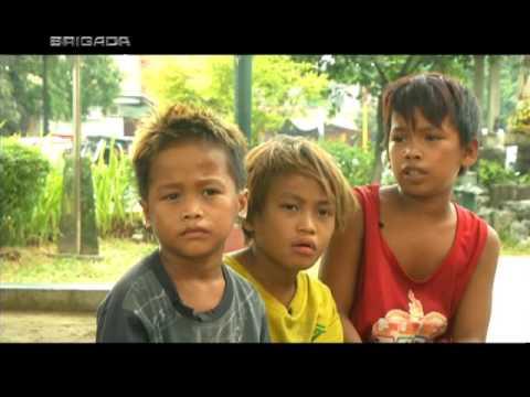 Tatlong paslit, namumulot ng maruruming bigas upang may makain  BRIGADA thumbnail