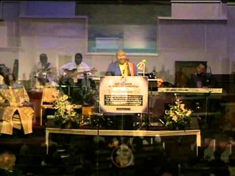 EMLC '12 - I Love to Praise Him (Ernie Isley)