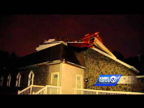 Strong winds blow roof off of Independence church