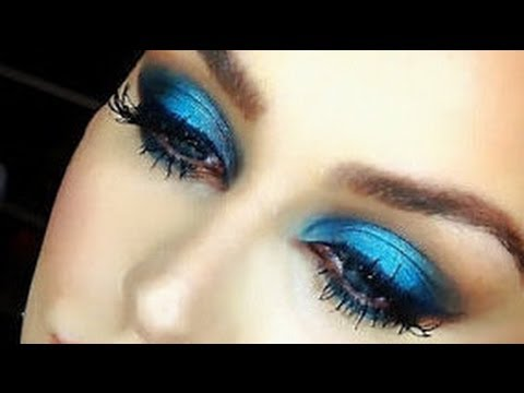 True Blue Dramatic Makeup Look