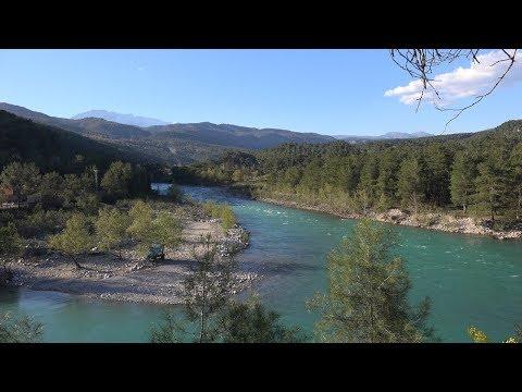 Köprülü Nehrinde Kısa İllizyonlar 4K UHD