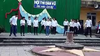 Nhảy dân vũ Pikachu & Bombastic lớp 11A9