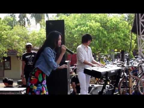 Vierratale - Bintang, Dengarkan Curhatku, Bersamamu (Live at SMAN 1 Jepara)