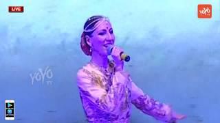 Beautiful Lady Song Performance in Bathukamma Cele