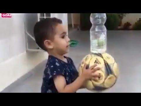 Skil luar biasa Anak Kecil Sepakbola