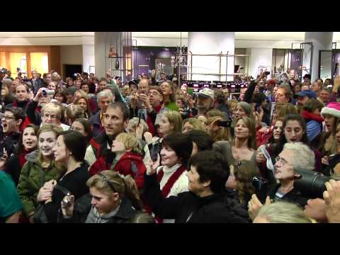 """Seattle Symphony / Nordstrom """"Messiah"""" Flashmob- Official Video"""