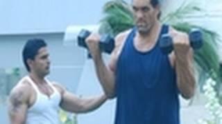 Salman Khan Gifts Gym Equipment To Khali (News)