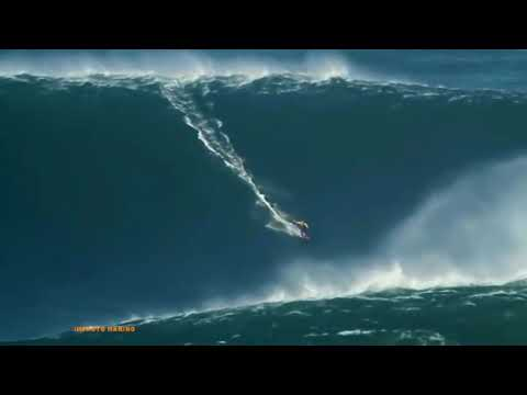 NEW YEARS 2014 tsunami Ola Gigante Giant wave Barcos entrando al mar Boats entering the sea