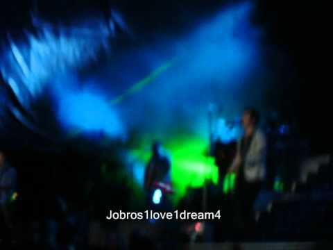 Jonas Brothers Concert in Santiago, Chile - Feelin' Alive - (11/04/2010)