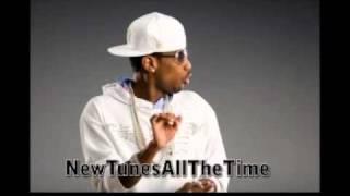 Watch Fabolous White & Navy video