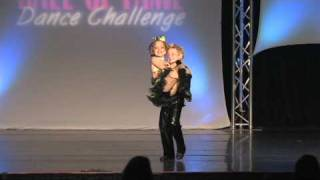 Download Lagu Jacob and Brooklyn Lipke - 6 year old twins jazz duet - Here Comes Trouble!! Gratis STAFABAND