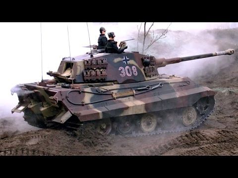 TANK IN ACTION GIANT RC KING TIGER II KÖNIGSTIGER SCALE 1:6 GERMAN TANK / Intermodellbau 2015
