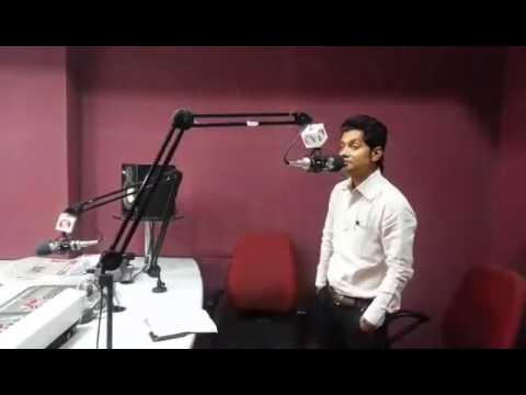 Mera chand mujhe aaya hai nazarHello Frds Me On 94 3 FM Jiyo...