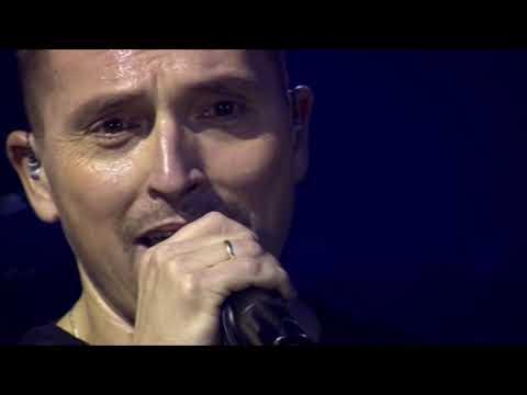 Ákos :-: KEZEMET NYÚJTOM :-:  ( Aréna 2014   LIVE )