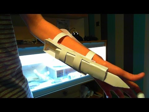 how to make assassin creed hidden blade out of paper