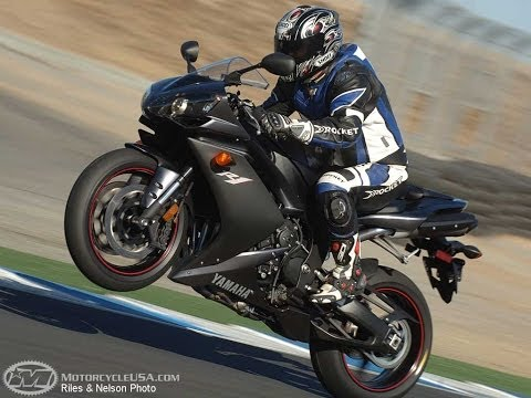 2007 Yamaha YZF-R1 First Ride - MotoUSA