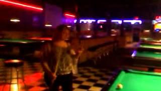 con mis amigos en gol bar