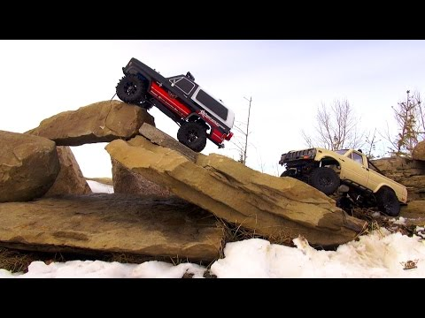 RC ADVENTURES -Tow Buddy - Chevy K5 Blazer & Toyota Hilux Trail 4x4 the Rocks