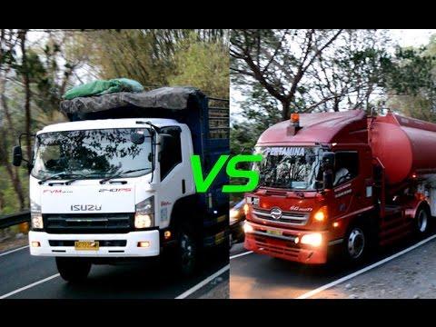 Isuzu Giga FVM vs Hino SG260TI Pertamina Naik Bukit Gunung Kidul